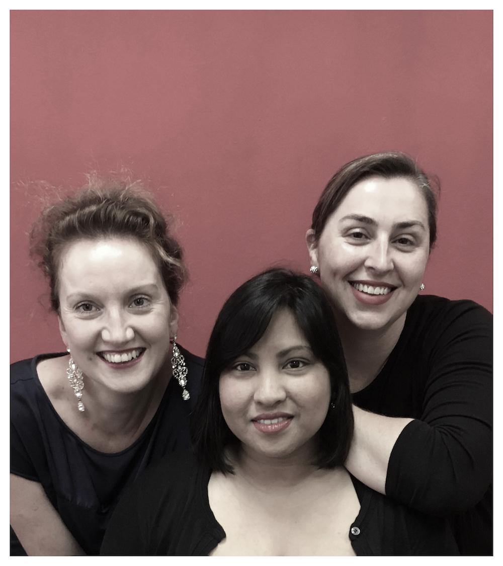 Klassieke Collage: Three ladies present